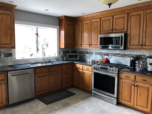 Refacing or Refinishing Cabinets